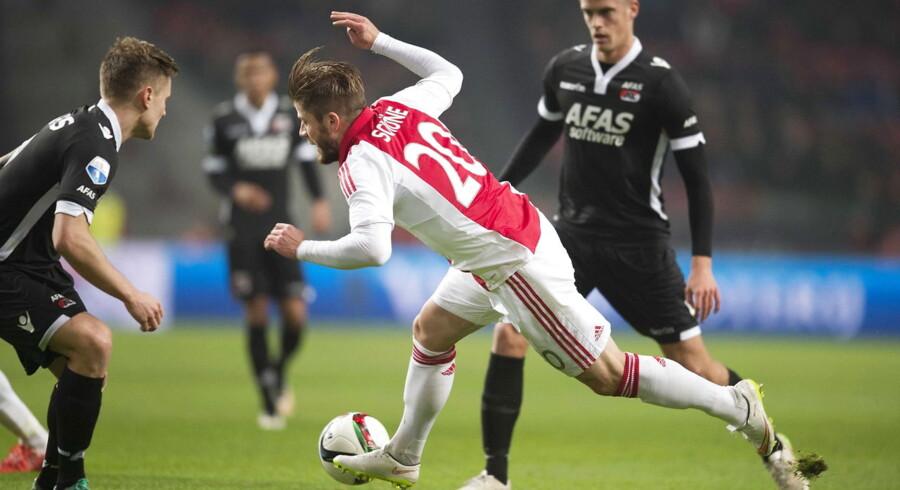 Lasse Schöne og resten af Ajax-mandskabet snublede mod Alkmaar.