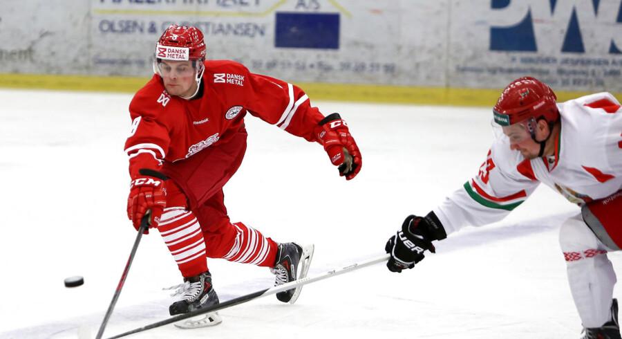 Herning-talentet Bjørn Uldall, her i landskampen mod Hviderusland, er klar til titelforsvaret i pokalturneringen.