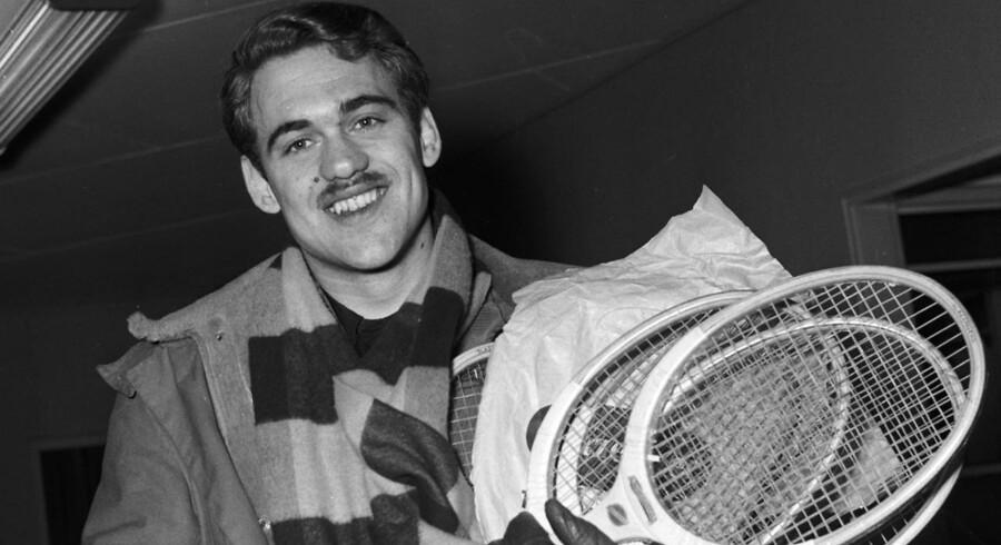 Den danske tennisspiller Kurt Nielsen er død efter længere tids sygdom.
