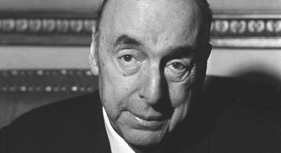 ARKIVFOTO 1971. En dommer i Chile har åbnet for en undersøgelse, der skal afklare om Sydamerikas største digter, Pablo Neruda, blev myrdet.