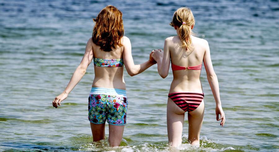 Sommer og årets første dukkert ved Svanemøllen Strand.