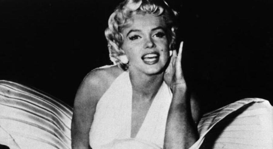 4fc713e8b0f8 Køb Marilyn Monroes kjole for 10 millioner