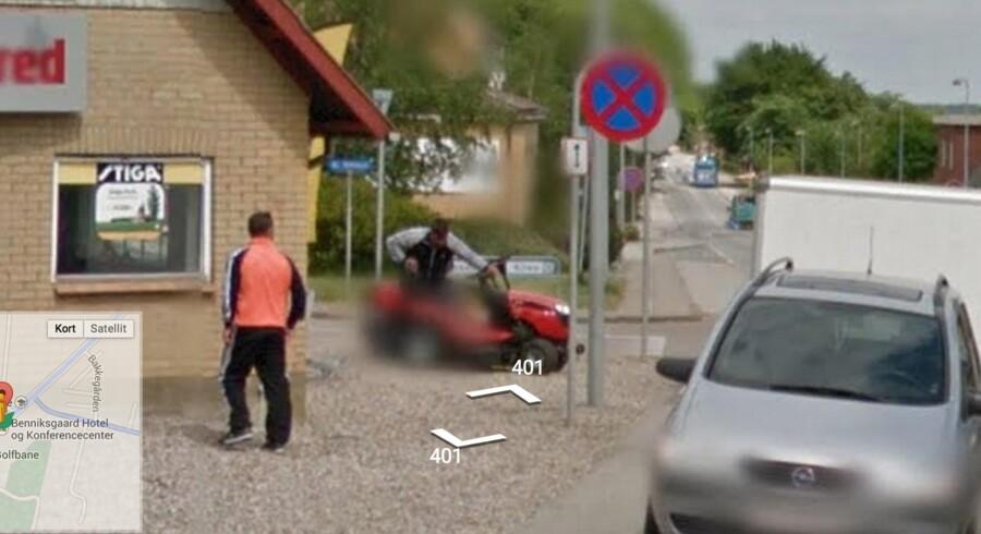 To uidentificerede mænd i færd med at stjæle en havetraktor fra smeden i Rinkenæs - her afsløret af Google Street View