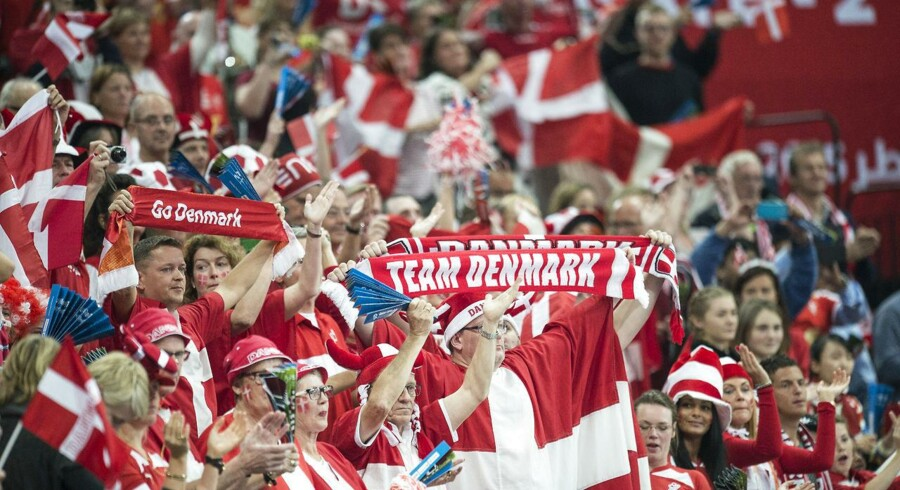 Danmark er klar til kvartfinalen på onsdag mod Spanien ved VM i håndbold efter suveræn sejr over Island på 30-25.Klik videre og se billederne fra kampen.