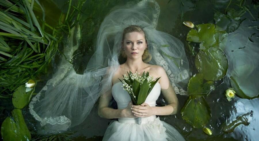 Lars Von Trier bliver rost af de danske filmanmeldere for dommedags-filmen Melancholia.