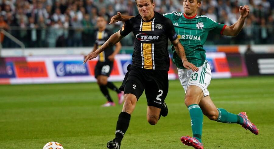 Alexander Scholz i en Europa League kamp i september. Nu er han på vej til Anderlecht.