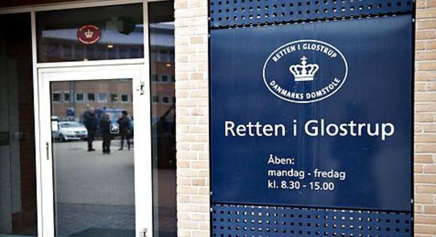 Retten i Glostrup lægger i øjeblikket lokaler til Danmarks største rockersag. Politiets guldfugl MFP fortæller i disse dage ivrigt om sine og Hells Angels-brødrenes aktiviteter.