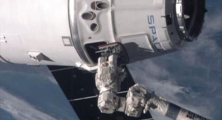 FOTO af en astronaut ved Den Internationale Rumstation 12. januar.