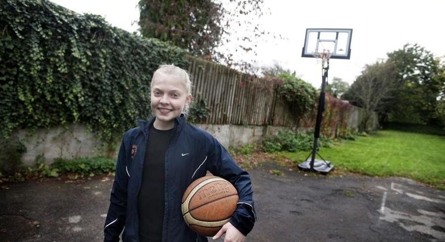 Anna Møller spiller basket og er en af DKs hurtigste løbere.