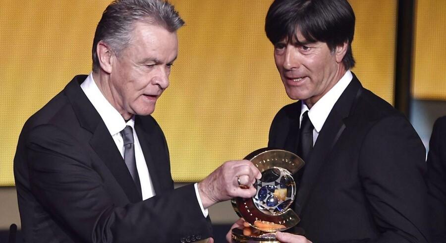 Tysklands landstræner, Joachim Loew (th.) løb med prisen som Årets Træner.