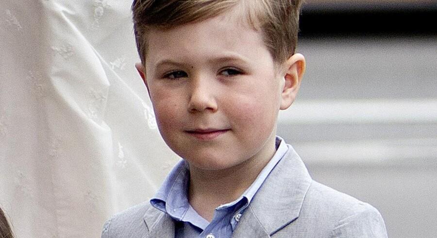 Prins Christian ved sine tvillingesøskendes dåb i Holmens Kirke den 14. april.