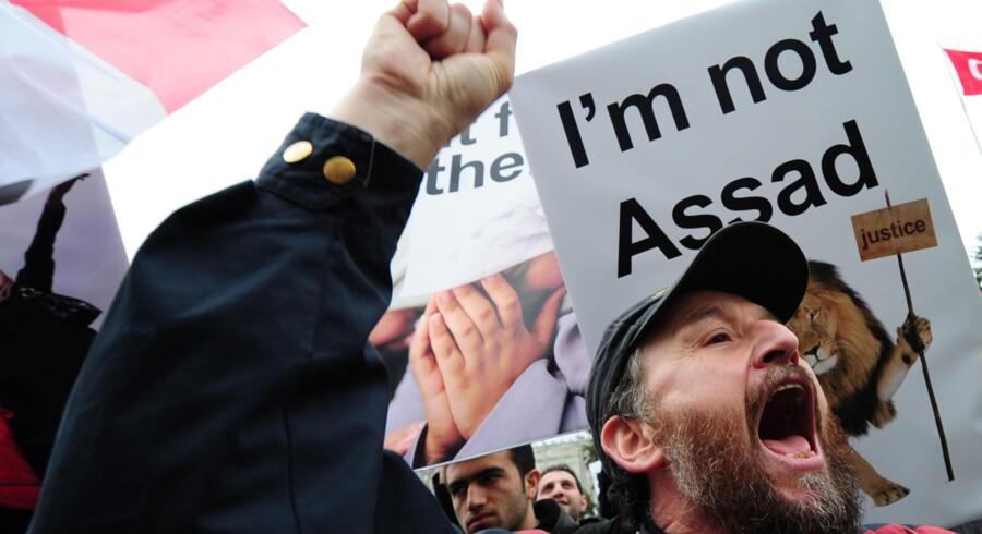 Tyrkiske demonstrationer mod syriske Bashar Assad og hans Baath-parti.