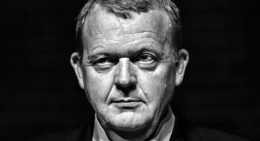 Efter et langt møde i Odense Congress Center står det klart, at Lars Løkke Rasmussen klarer skærerne og mod alle forventninger, bliver som formand for Venstre.