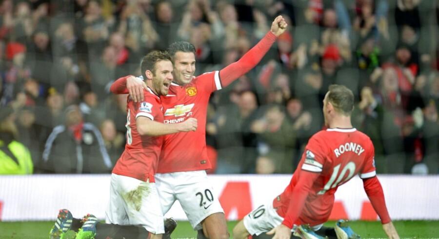 Robin van Persie indrømmer, at Manchester Uniteds andet mod mål Liverpool burde være annulleret.