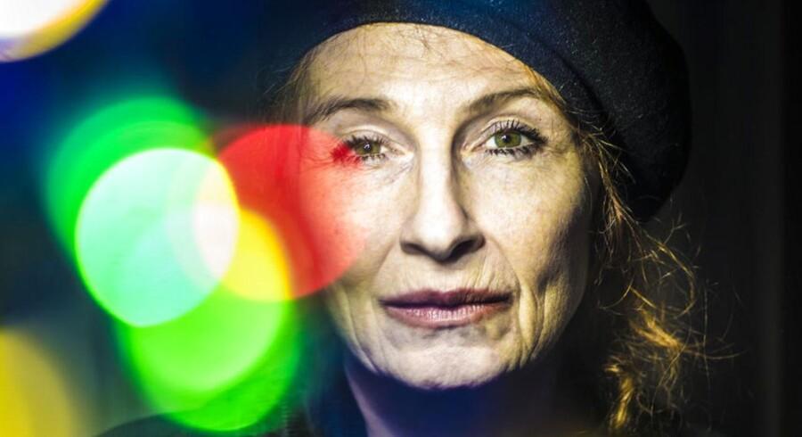 Skuespillerinde Bodil Jørgensen er på benene igen efter hendes alvorlige traktorulykken der skete i forbindelse med optagelserne til en ny Far til fire-film.