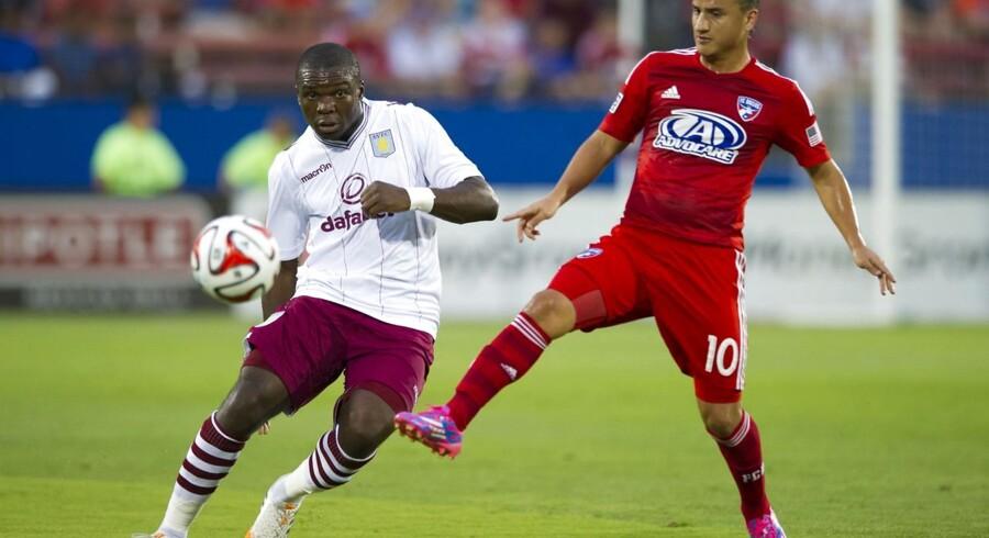 Skader kan give Jores Okore sæsondebut for Aston Villa.