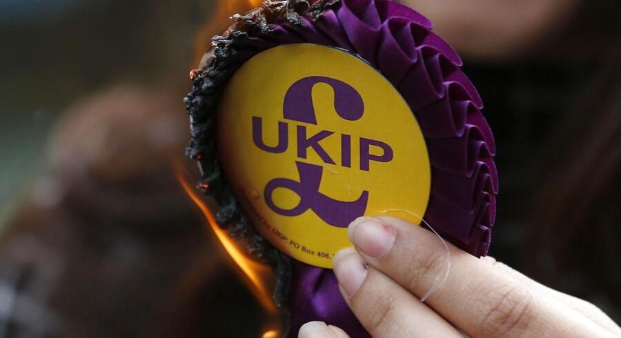 For anden gang i træk vinder det EU-fjendtlige højreparti Ukip et suppleringsvalg i Storbritannien og sikrer sig endnu en plads i det britiske parlament. Det stod klart, efter stemmerne var talt op fredag morgen.