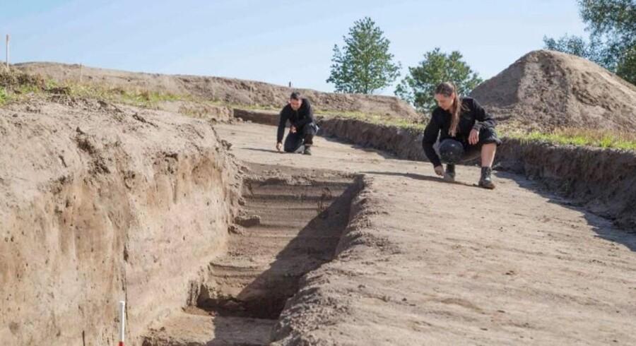 Den nye vikingeborg, som arkæologerne har døbt Borgring, er perfekt cirkelrund og 145 meter i diameter.