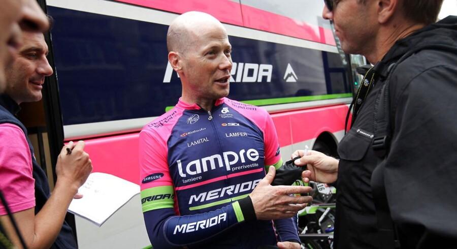 Chris Horner er ikke længere en del af Lampre-Meridas WorldTour-hold. Årsagen er pres fra sponsorerne.