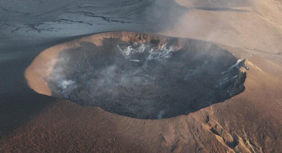 Shinmoedake-vulkanen den 7. februar. I januar gik vulkanen i udbrud for første gang i 52 år. Efter to ugers stilhed gik den søndag i udbrud igen.