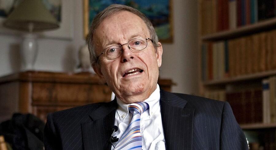 Jan Lindhardt, tidligere biskop ved Roskilde Stift, døde tirsdag efter længere tids sygdom. Han blev 76 år.