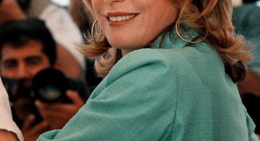 Catherine Deneuve er en jævnlig gæst på internationale filmfestivaler - festivalen i København må klare sig uden.<br>Her er hun på visit i Cannes i 2000.<br>Foto: Bo Amstrup