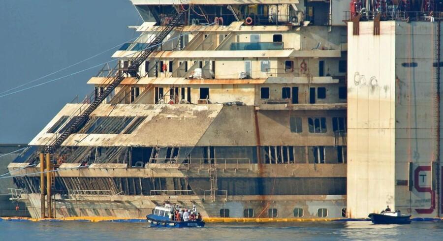 Costa Concordia, der forliste 13. januar 2012, blev i juni bjærget.