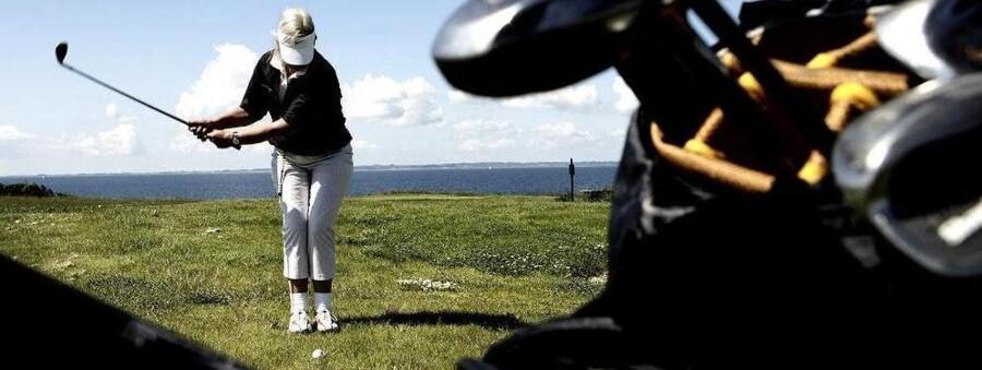 Der kan stå golf eller rejser på menuen, hvis pensionsopsparingen har været i orden op gennem arbejdslivet. Nuværende pensionskunder har nølet med ar lægge om til aldersopsparing efter at fradraget for kapitalpension ophørte. ARKIVFOTO.