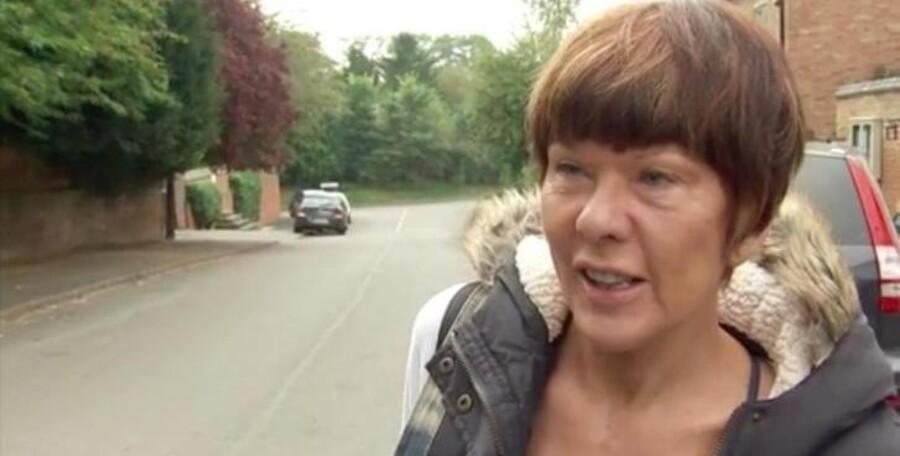 Den nu afdøde Brenda Leyland betegnes som en Dr. Jekyll i landsbyen, hvor hun boede i England, og en Mr. Hyde på nettet. Foto: Sky News