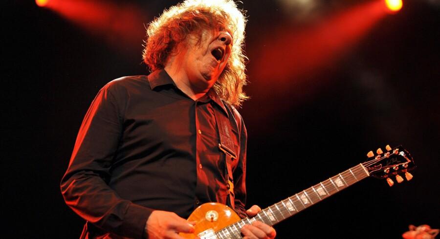 Gary Moore, irsk guitarist, er død, 58 år.