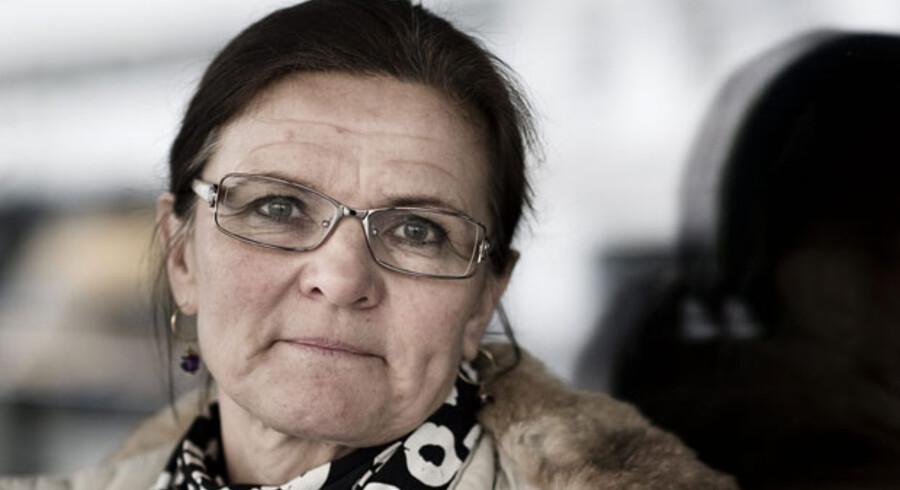 En tilfreds anklager forlod retsbygningen i Aarhus i går. Bag det stålsatte blik findes en humoristisk kollega, der elsker sit job. Til marts kan hun se tilbage på 25 års karriere i jura-verdenen og mange spektakulære retssager med alt fra barnedrab, til narkosager og dyremishandling.
