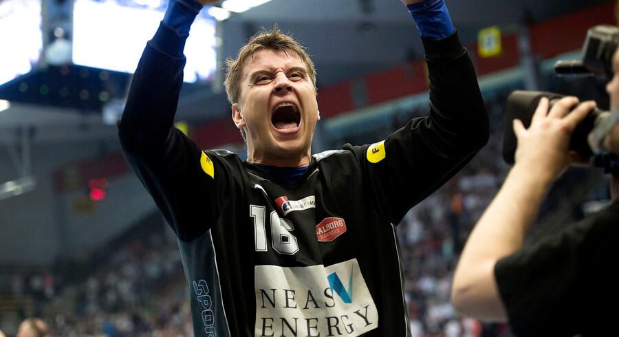 Aalborg-målmand Ole Erevik var sit holds store profil, da de danske vicemestre fik en flot sejr på udebane mod Dunkerque.