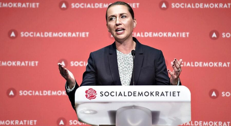 Socialdemokratiet indledte lørdag d. 16. september deres 2-dages kongres i Aalborg Kongres og Kulturcenter . Her ses formand Mette Frederiksen på talerstolen med sin beretning. (foto: Henning Bagger / Scanpix 2017)