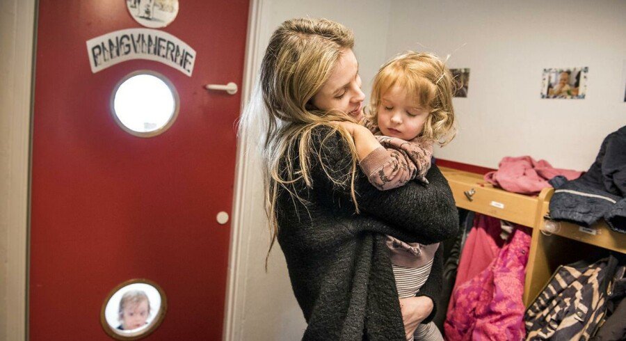 36-årige Camilla Pii Stuhr er ansat som sygeplejeske på en arbejdsplads med fleksibel arbejdstid. Hendes to-årige datter Liv lider af en kronisk mavesygdom, så for nu arbejder Camilla Pii Stuhr kun fire dage om ugen, for at passe Liv den sidste dag. Hun tillægger fleksibel arbejdstid æren for, at hun i dag har fundet balance i sin hverdag og siger, at hun i fremtiden regner med at gå op i tid, når familielivet igen tillader det.