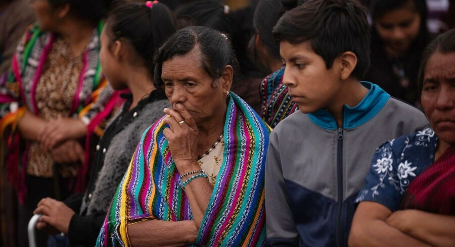 Redningsmandskab har onsdag fundet yderligere 24 ofre, efter at vulkanen Fuego gik i udbrud søndag.