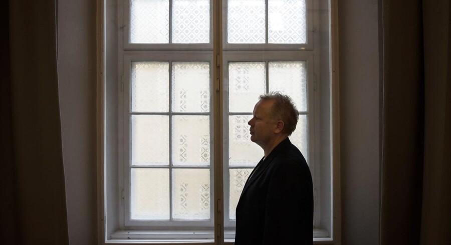 Claus Grønbæk fik hjernerystelse for godt et år siden og er først for nylig startet med at arbejde igen efter et længere sygdomsforløb. Han arbejder som præst i Københavnerkirken på Israels Plads.