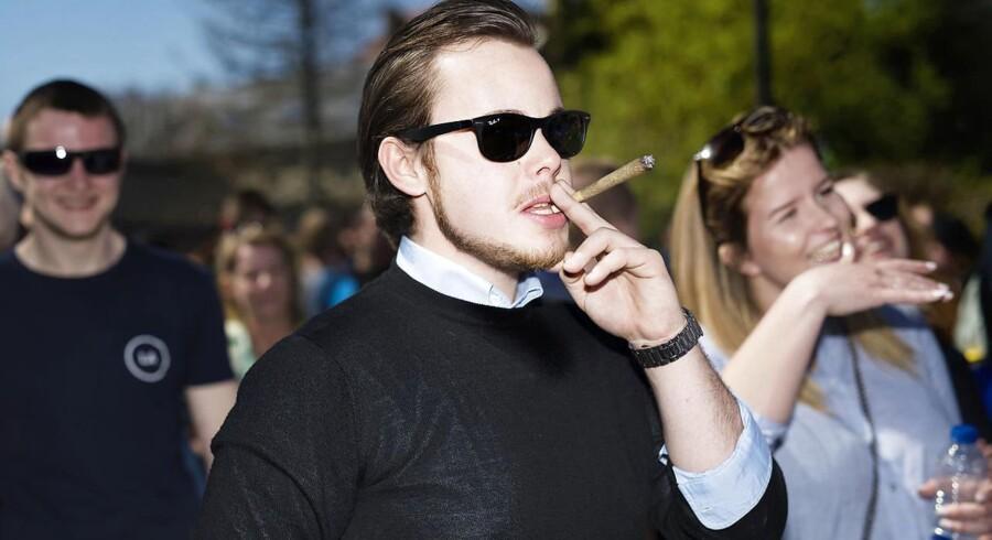 Nicolai Oster har tidligere erkendt, at det er ham, der står bag videoen.