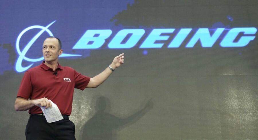 Flyproducenten Boeing kom ud af tredje kvartal med en højere indtjening end ventet, og i forbindelse med onsdagens regnskab løfter selskabet forventningerne til hele året.