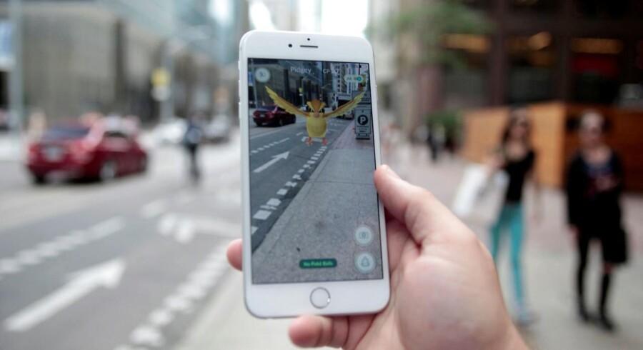 - Jeg kan ikke fange den gode Pokémon, det har jeg simpelthen ikke tid til, siger 21-årige Hieu Huynh, der har betalt mere end 100 dollar for en Pokémon Go konto.