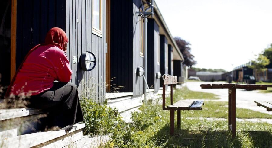 Arkivfoto fra asylcenter Sandholmlejren, hvor mange flygtninge ankommer og venter på opholdstilladelse. Så snart de får den, skal de i arbejde, mener flere politikere.