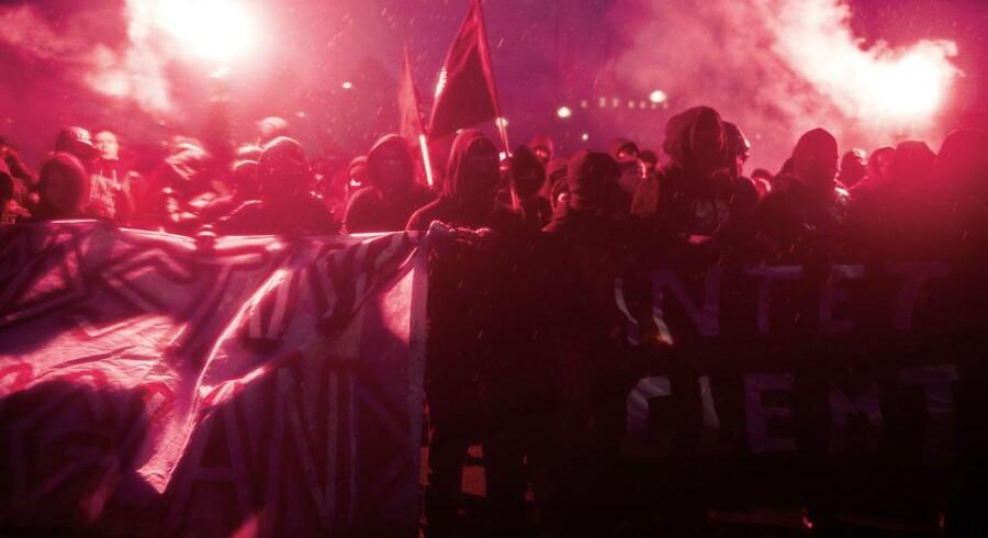 »Den til tider militante del af den yderste venstrefløj har det bedst i modvind. Når der er noget at kæmpe mod, har den nemmere ved at rekruttere nye medlemmer,«