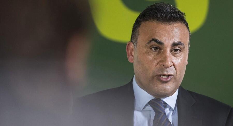 Naser Khader fortæller at han stiller op for de konservative til næste valg på et pressemøde onsdag d. 18 februar 2015 i Aarhus.