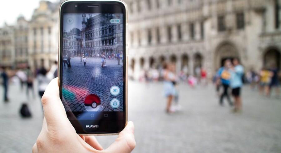 I gennemsnit betalte en EU-borger i 2013 698 procent over den reelle kostpris for udbyderne, når telefonens data blev brugt i udlandet, fortæller Jens Rohde.