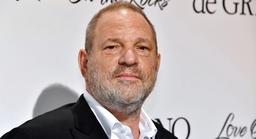 De mange anklager for sexchikane mod Harvey Weinstein satte gang i den større #Metoo-kampagne, hvor en ny hjemmeside nu udpeger, hvilke film der involverer folk, der er ramt af anklagerne.