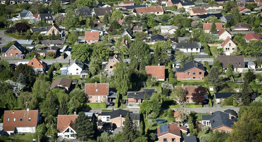 Arkivfoto. Boligejere i både land og by tjener penge på regeringens udspil, mener skatteminister Karsten Lauritzen (V).