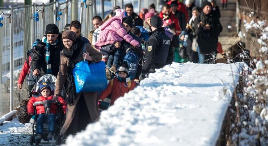 Migranter ankommer til stationen i byen Passau i det sydlige Bayern, på grænsen til Østrig og Tjekkiet. Asylsøgere i Bayern får konfiskeret værdigenstande og kontanter som betaling for opholdet, bekræfter delstatens indenrigsminister i dag.