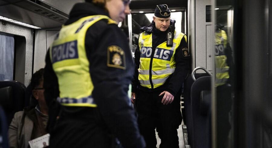 Den svenske Rigsdag vedtog torsdag indførelsen af ID-kontrol ved grænserne. Det er blot en af de stramninger, som EU-lande indfører for at forsøge at dæmme op for flygtningestrømmen.