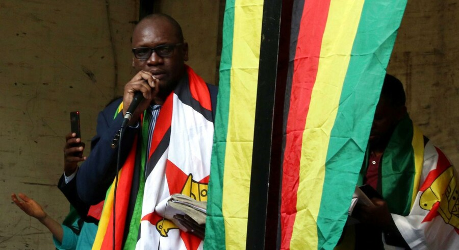 Præsident Robert Mugabe vil gå på tv og tale direkte til Zimbabwes folk meget snart.