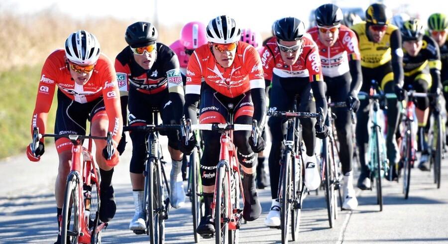 De bedste danske cykelryttere er nået op på et niveau, hvor de uge efter uge vil bejle til sejrene, mener landstræner og kommentator.