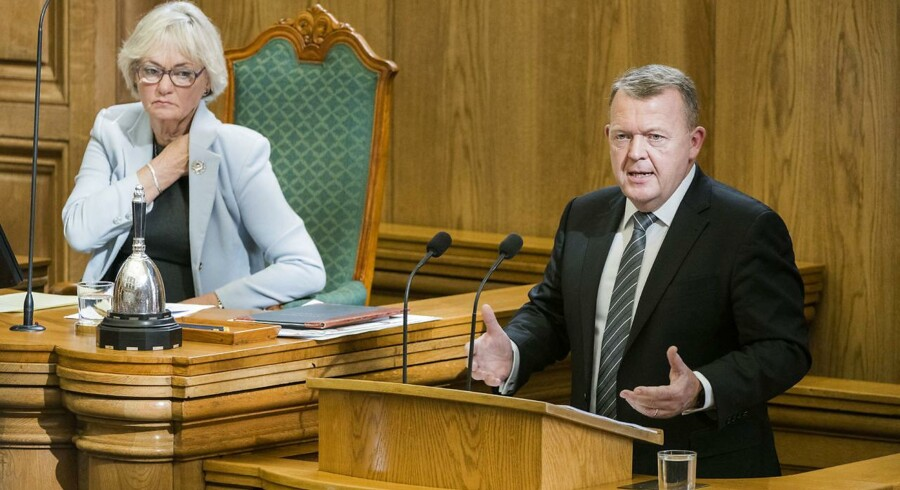 Uansvarligt at ville bruge alle penge på velfærd, mener statsminister Lars Løkke Rasmussen i åbningstale.